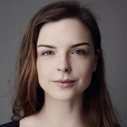 Anna Siek profil www