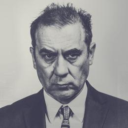 Rafal Dziwisz profilowe na www